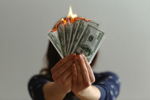 Devi sapere come  SALESFORCE sta bruciando il tuo Budget.